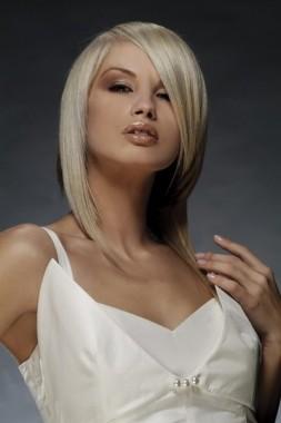 Прическа на длинные волосы от Trendy Hair