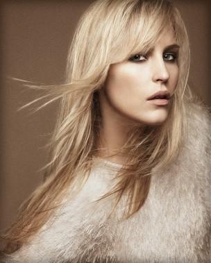 Прическа на длинные волосы от Mode