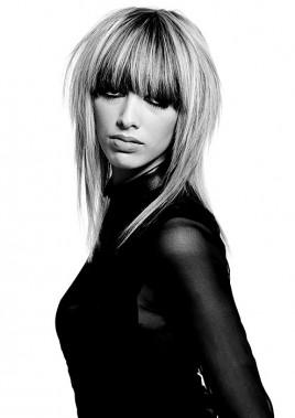 Прическа на длинные волосы от Hair Associates