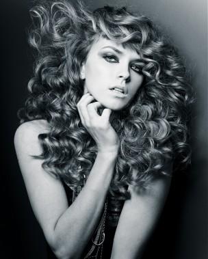 Прическа на длинные волосы от Goldsworthy