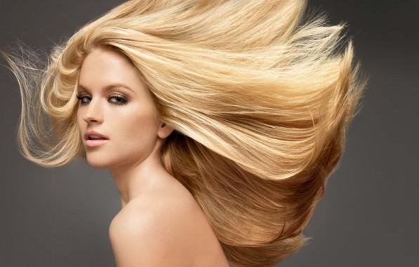 Мелирование на светлых длинных волосах всегда смотрится превосходно