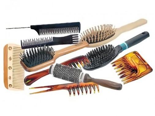 Наличие разных расчесок облегчит процесс укладки волос